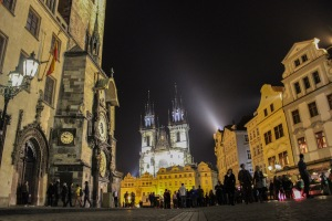 telling time in prague square