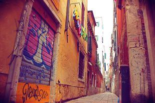venetian alleys